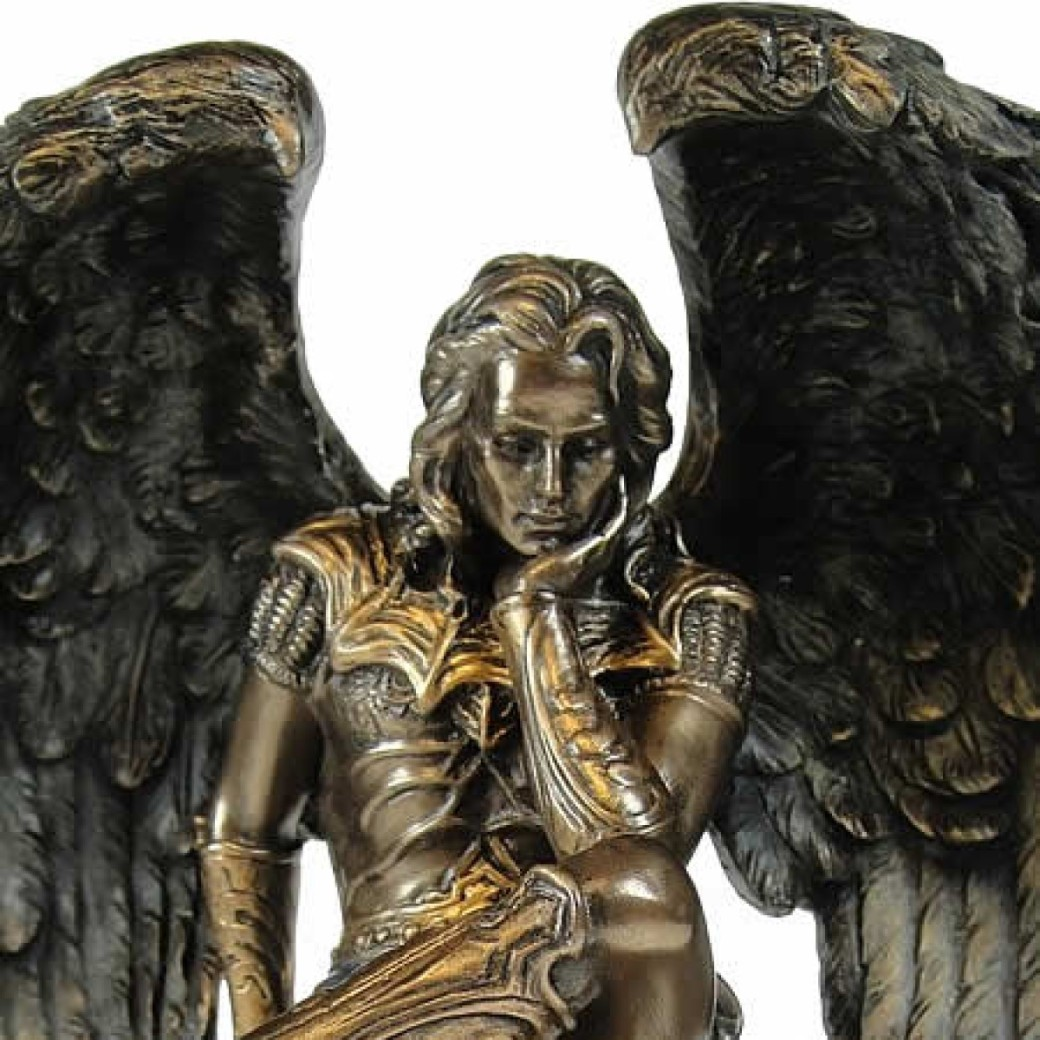 nemesis_now_licufer_the_fallen_angel_figurine_image_1